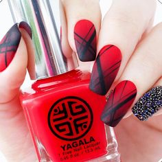 Red nails designs are extremely popular, but why? Truly, ask any lady about the ideal nail lacquer for her manicure. And as you might guess, she would answer red even though today there is a huge number of hues available. Look our collection of red nail designs and you will understand why red nails are so popular! #rednails #rednaildesigns #naildesign