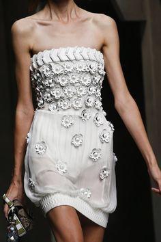 Fendi Spring 2016 Ready-to-Wear Accessories Photos - Vogue