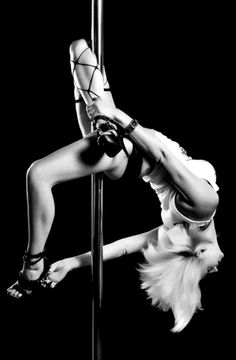 Pole dance – should this one be called a closed rainbow or something? (Must try grabbing the other leg!)