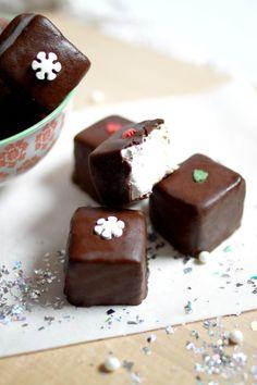 Chloé Délice: Guimauves à la vanille enrobées de chocolat { Battle Food #26 }