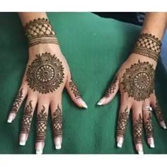 Dulhan mehndi circles for hands Round Mehndi Design, Modern Mehndi Designs, Mehndi Design Pictures, Wedding Mehndi Designs, Mehndi Designs For Fingers, Latest Mehndi Designs, Mehndi Images, Circle Mehndi Designs, Henna Tattoo Hand