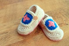 Granny Square Baby Booties pattern by Tara Murray