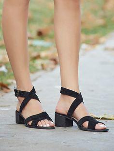 AÇIK BURUN TOPUKLU Utah Siyah Süet Dekolte Topuklu Sandalet
