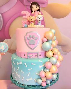 Apaixonadaaaaa por esse bolo da minha querida @atelierfujii 💕 ela embarcou na minha viagem dos balões desconstruídos e o resultado foi esse!!! Patrulha Canina Rosa para a Gabi 💕 Projeto e decoração @dreams_daniscarpato  Personalizados @personalizados_talmaetalfilha  Arranjos florais @marianamenezes_designfloral  #patrulhacaninamenina #patrulhacaninarosa Girls Paw Patrol Cake, Skye Paw Patrol Cake, Girl Paw Patrol Party, Torta Paw Patrol, Sky Paw Patrol, Paw Patrol Birthday Girl, Birthday Cakes Girls Kids, Birthday Parties, Cake Birthday