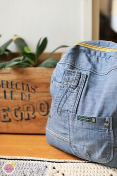 Denim backpack from old jeans Farkkureppu |