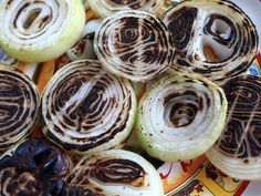 Grilled Mexican Onions - Use your favorite mexican style seasoning blend in this recipe (even taco seasoning work work) to season the onions. don't have a grill? No problem, simply bake the onions at until soft. Mexican Grill, Mexican Dishes, Mexican Food Recipes, Grilling, Barbecue Grill, Mexican Style, Taco Seasoning, Onion Recipes, Picnic Foods