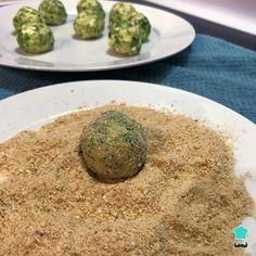 Receta de Albóndigas de brócoli y queso - Paso 3 Albondigas, Queso, Cheddar, Low Carb, Rice, Cooking, Recipes, Food, Fried Broccoli