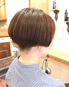 Asian Short Hair, Short Hair Cuts, Short Hair Styles, Straight Bangs, Blunt Bob, Short Bob Hairstyles, Instagram, Fashion, Photography