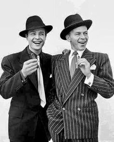 Marlon Brando and Frank Sinatra by Richard Avedon: Together in one of my all time favorite movies - Guys and Dolls Old Hollywood Actors, Old Hollywood Glamour, Golden Age Of Hollywood, Vintage Hollywood, Hollywood Stars, Classic Hollywood, Marlon Brando, Vivien Leigh, Steve Mcqueen