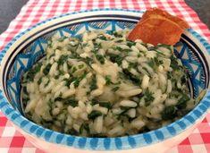 Ook de lekkerste spinazie risotto met ham maak je gewoon zelf in je eigen keuken. Bekijk dit lekkere risotto recept op AllesOverItaliaansEten.nl!