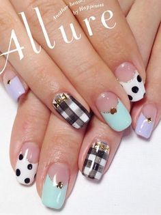 A fun looking combination of gingham, polka dots and French tip designs. Using clear, white, black and baby blue polish, tiny gold details are also placed on top of the design for added effect.
