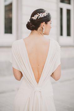 Romántica slow bride con vestido de García Forcada.