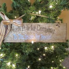 """Primitive sign """"North Pole Ice Company"""" with scented bow by Cherriesprimitives on Etsy https://www.etsy.com/listing/211610972/primitive-sign-north-pole-ice-company"""