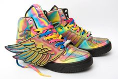 Joining the rock and roll circus that is Jeremy Scott sneakers are these JS Wings in all their rainbow powered freak-out glory. Covered in a special reflective coating that changes colour as light bounces off…