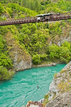 i've always said i want to go bungee jumping. this looks like just as good of a place as any. Kawarau Bridge in Queenstown, New Zealand - Bild Hafen Bungee Jumping, Places To See, Places Ive Been, Pictures Of Beautiful Places, Queenstown New Zealand, Lake Wakatipu, Adventurous Things To Do, Visit New Zealand, Visit Australia