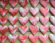 srdíčka kam se podíváš ❤🙈😃 #homemade #buttercookies #royalicing #valentinescookies #valentinesday #valentyn #lovetobake #cookies #heartcookies #cookiedecorating #marblecookies #susenky #dessertstagram #desserttime #instabake #peceni #bakingmom #homebaker #homebaked #foodie #foodlover #foodphotography #foodblogger #czechgirl #czech #czechrepublic #avecplaisircz Cookies, Desserts, Homemade, Instagram, Food, Crack Crackers, Tailgate Desserts, Deserts, Home Made