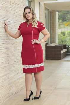 Plus size outfits Lace Bridesmaid Dresses, Dressy Dresses, Simple Dresses, Plus Size Dresses, Plus Size Outfits, Curvy Fashion, Plus Size Fashion, Office Outfits Women, Midi Dress With Sleeves