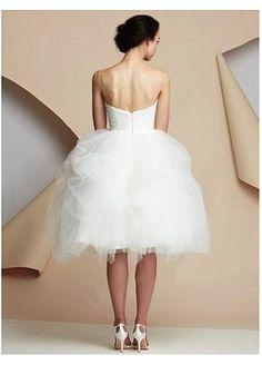 Elegant Tulle Sweetheart Neckline Ball Gown Wedding Dress With Beadings