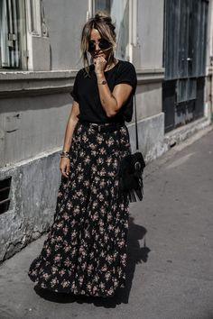 Cool 46 Lovely Long Skirt Spring Outfits Ideas That Suitable For You Floral Skirt Outfits, Pencil Skirt Outfits, Casual Skirt Outfits, Modest Outfits, Boho Outfits, Floral Maxi, Long Black Skirt Outfit, Long Skirt Outfits For Summer, Spring Outfits