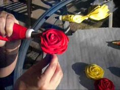 rose tutorial - I think I can do these.  Easier than the other way I was taught.