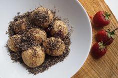 "Sladké ""tvarohové"" knedlíky s ovocem (bez lepku) Grains, Muffin, Vegan, Breakfast, Food, Morning Coffee, Essen, Muffins, Meals"