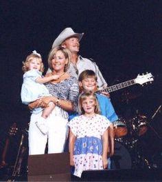Alan Jackson Family | Alan and his family with President Bush