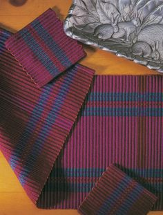 Warp rep is awesome for weaving runners. Get this weaving project plus nine more 4-shaft runners in this eBook!