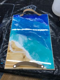 Modifier l'article ‹ RESINE EPOXY TRANSPARENTE ET ANTI JAUNISSEMENT — WordPress Resin Art, Plastic Cutting Board, Creations, Wordpress, Make A Table