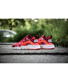 Nike Air Huarache Ultra Breathe Print Red Purple Camo Trainer Shoes is definitely your favorite style, very comfortable, looks very nice to see.