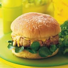 Herbed chicken and apple burgers - Adding grated apple to chicken burgers not only gives a fruity flavour that complements the meat and herbs, but also lightens up the meaty patties and provides fibre. Honey Mustard Sauce, Honey Mustard Chicken, Beef Burgers, Burger Buns, Low Gi Dinners, Minced Meat Recipe, Hamburger Recipes, Meat Recipes, Chicken Recipes