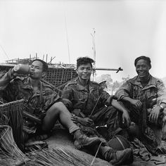 BPVN, paratroopers of French Army relax during a lull in the fighting at Banh Hine Siu in January They keep their arms nearby, US folding stock carbine & MAT 49 Machine Pistol. The paratrooper in the centre holds a bayonet for a German rifle Military Love, Army Love, Laos, First Indochina War, World Conflicts, Indochine, French Colonial, French History, Harbin