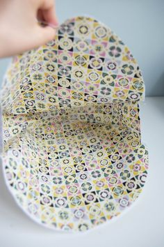 Tuto couture: the reversible round tote bag – Dodynette couture tutorials Source by Patchwork Table Runner, Fabric Paint Designs, Coin Couture, Bag Patterns To Sew, Sewing Tutorials, Tutorial Sewing, Planer, Diy And Crafts, Tote Bag