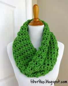 The Cilantro Cowl is a cozy and pretty cowl worked in alternating rows of double crochet and puff stitches.  Fabulous green yarn and lots of texture make a fun and interesting project! Cilantro Cow
