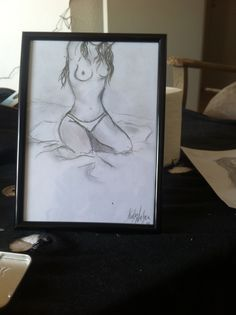 Naked lady i fri hånd