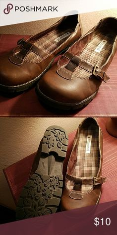 No boundaries brown flats Brown flats Worn one or 2 times Shoes Flats & Loafers