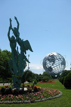 NYC - Queens - Flushing: Flushing Meadows-Corona Park - Unisphere and Freedom of the Human Spirit