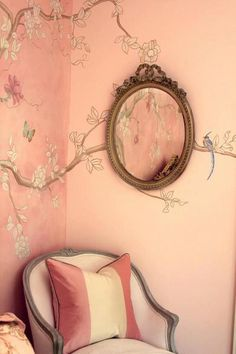 Painted chinoiserie tree and birds by Ali Kay - Pretty pink girl& room. Young but sophisticated and a bit French looking. Chinoiserie Elegante, Chinese Interior, Asian Home Decor, My New Room, Girls Bedroom, Bedroom Ideas, Bedrooms, Wall Design, House Design