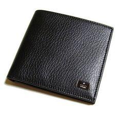 Gucci Men's Wallet logo silver plate on front corner Black Leather Bi-fold wallet