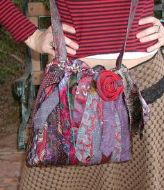 Tie One On! Upcycled and Repurposed Neckties - Gypsy Rose Necktie Bag by Laura at Rickrackruby - mens men's gentlemen's neckties ties neck-ties refashion upcycle recycle clothing clothes Necktie Purse, Necktie Quilt, Old Ties, Shabby Chic Stil, Tie Crafts, Mens Ties Crafts, Refashion, Diy Clothes, Purses And Bags