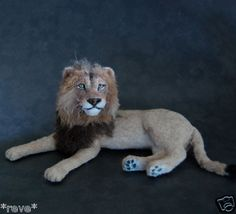 realistic lion dollhouse miniature 1 12 scale hand sculpted by Reve