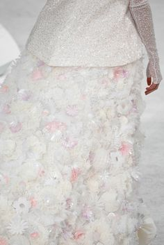 Chanel Spring 2015 Couture - Details - Gallery - Style.com Chanel 2015, Coco Chanel, Couture Details, Fashion Details, Couture Looks, Chanel Couture, Couture Fashion, Chanel Fashion, Chanel Spring