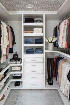 Master Closet Design, Walk In Closet Design, Master Bedroom Closet, Closet Designs, Small Master Closet, Small Walk In Closet Ideas, Small Walkin Closet, Small Walk In Wardrobe, Master Closet Layout