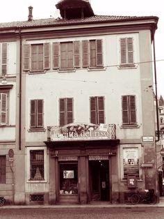 old building in Vercelli