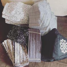 Unsere neue Stylemask-SW-Kollektion ist eingetroffen! Und wir haben unsere Preise angepasst, da ab heute die Mund-Nasen-Masken steuerfrei sind (Erlass vom Bundesministerium für Finanzen). Jetzt shoppen auf stylemask.at! #mundnasenmasken #stylemaskat #steuerfrei #corona #covid19fighter #schwarzweiss #neuekollektion #handmadeinaustria Sequin Skirt, Sequins, Skirts, Fashion, Corona, Finance, Masks, Monochrome, Moda