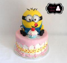 Minion Cake, Recette de Minion Cake par Angelica Aublet - Food Reporter
