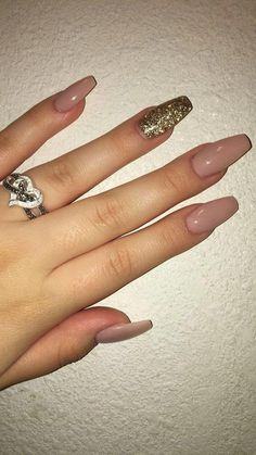 How do I stamp design – What is the best way to adhere crystals to – Nail Educators Answer Your Frequently Asked Questions. How do I stamp design – What is the best way to adhere crystals to – Nail Educators Answer Your Frequently Asked Questions. Aycrlic Nails, Cute Nails, Hair And Nails, Coffin Nails, Cute Simple Nails, Nails 2018, Nail Polishes, Glitter Nails, Best Acrylic Nails