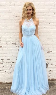Blaues langes Abschlussballkleid, Neckholder-Abschlussballkleid, Abschlusskleid, formales Abendkleid Source by alessiacatherine dresses long Pretty Prom Dresses, Tulle Prom Dress, Ball Gown Dresses, Prom Dresses Blue, Formal Evening Dresses, Lace Dresses, Sexy Dresses, Beautiful Dresses, Prom Dresses For Teens Long