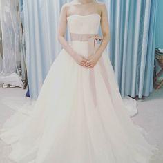 着ないドレス安田美沙子さんが着用したドレス名前忘れてしまいましたがチュールは繊細で素敵ですがボリュームが欲しい(ω) #ヴェラウォン#ハワイウェディング#ハワイ挙式#テラスバイザシー#チュール#2016swd#ドレス迷子脱出したい by eak_wedding