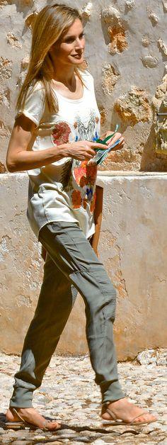 Queen Letizia. #casual #summer style