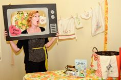 1950's housewife bridal shower photo booth guest.  Photos by My Twin Lens Photography.  Www.mytwinlensphotography.com